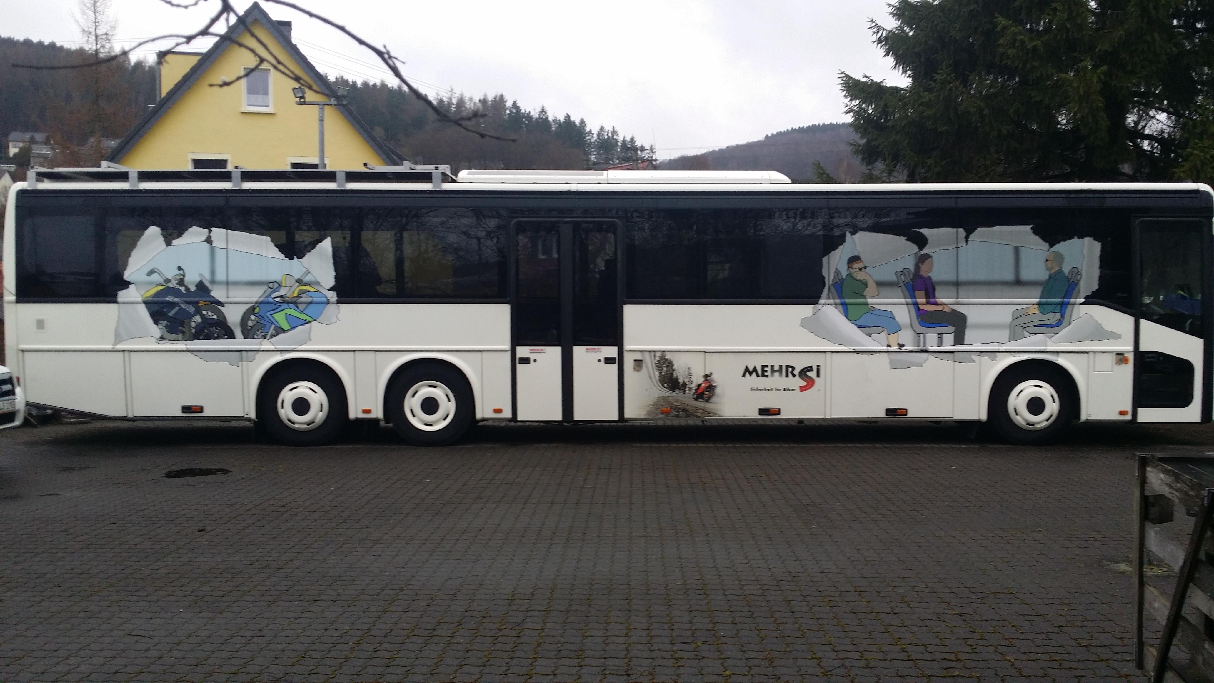 Motorrad-Reise-Bus